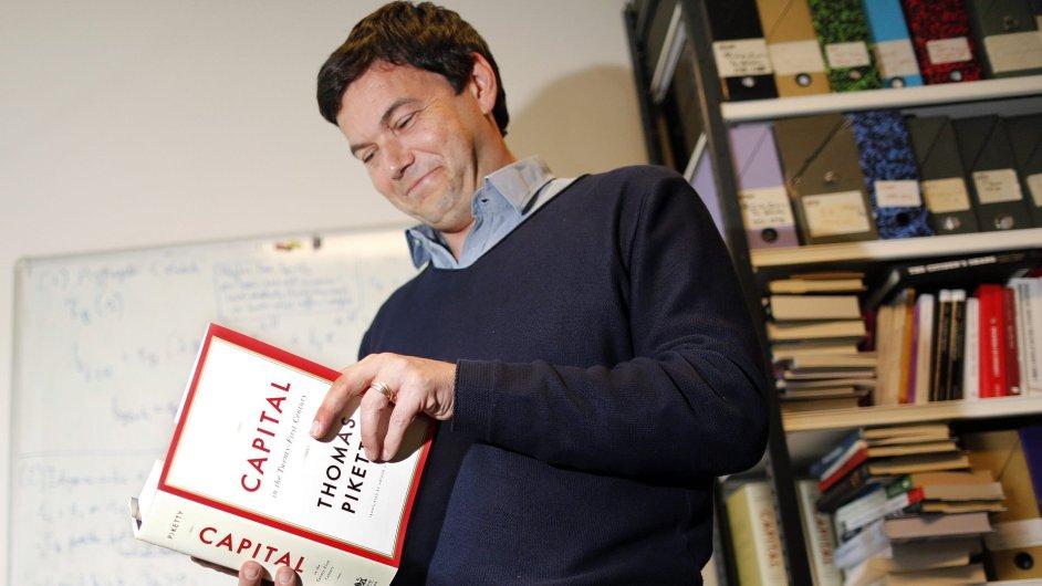 Francouzský ekonom Thomas Piketty se svým dílem Kapitál ve 21. století