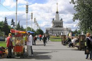 Moskva se chlubí úspěchy ze sovětské éry. Obnovené výstaviště táhne miliony turistů