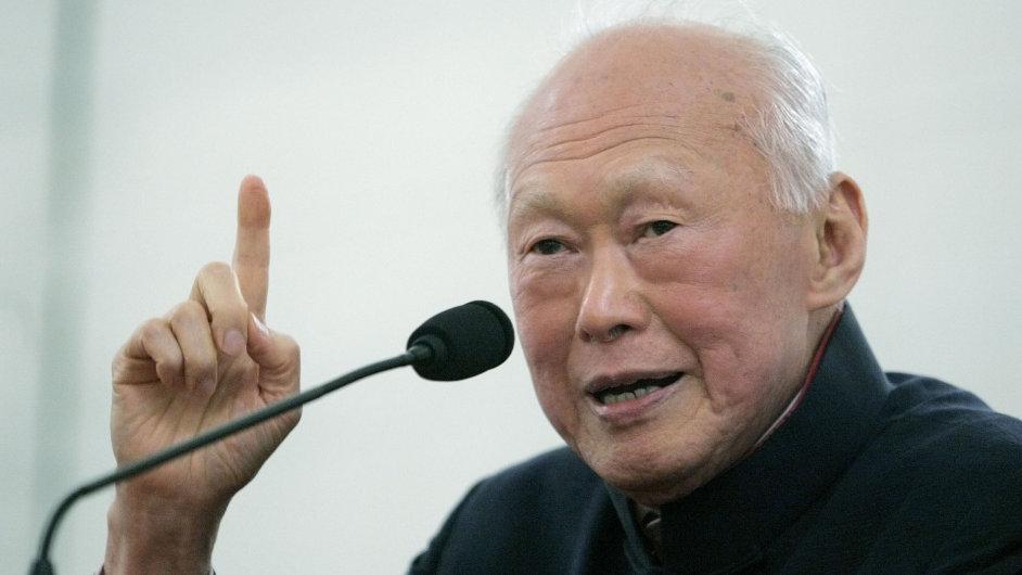 Zemřel Lee Kuan Yew.