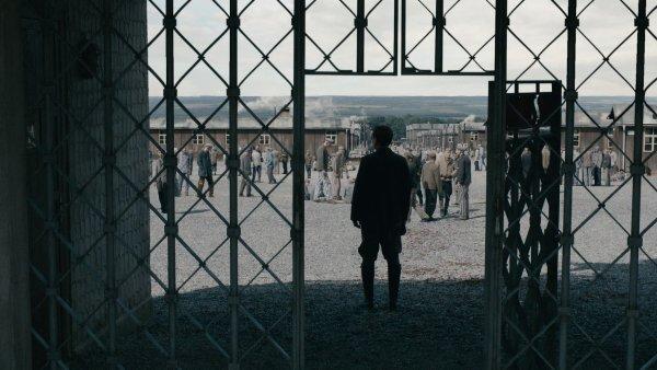 Film Nah� mezi vlky, p��b�h z koncentra�n�ho t�bora Buchenwald, se v �esku nat��el p�edloni.