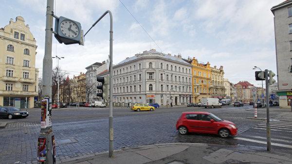Praha 7 zavedla zóny s nejvyšší povolenou rychlostí 30 km/h.