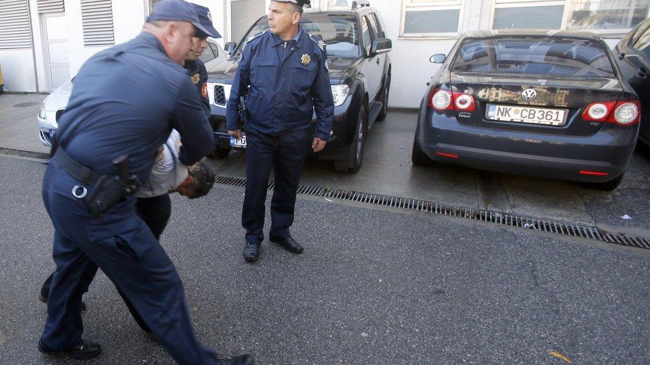 Srbští atentátníci chtěli narušit volby v Černé Hoře.