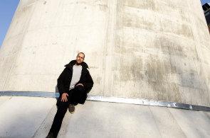 Blanka vydechne uměním. Výtvarník Federico Díaz upraví odvětrávací komín na pražské Letné