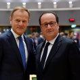 Předseda Evropské rady Donald Tusk a francouzský prezident Francois Hollande na summitu EU.