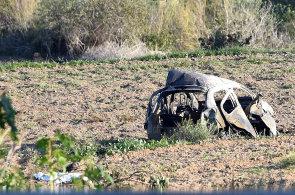 Auto v němž zahynula novinářka Daphne Caruana Galiziová.