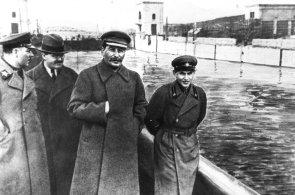 V jednom z dílů dokumentárního cyklu Zapomenutí vůdci mělo podle RRTV dojít ke zlehčování stalinistických čistek.