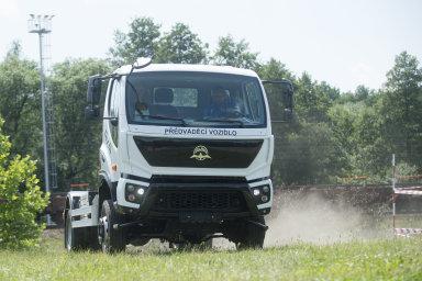 Podívejte se na nový nákladní vůz Avia Motors. Firma je chce dodávat hlavně stavebníkům a hasičům, do konce roku jich vyrobí 30