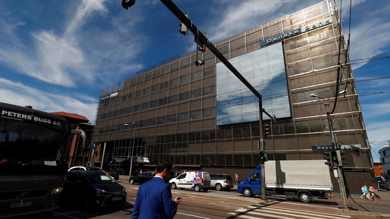 Danske Bank loni v září připustila, že v letech 2007 až 2015 provedla transakce ve výši 200 miliard dolarů (4,5 bilionu korun), které mohly napomáhat legalizaci výnosů z trestné činnosti.
