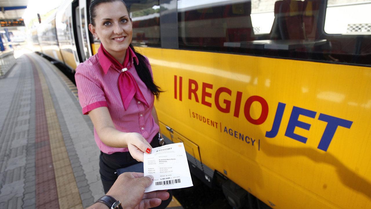 RegioJet už na Slovensku jezdí z Bratislavy do Komárna. Na trať do Košic si bude muset minimálně počkat.