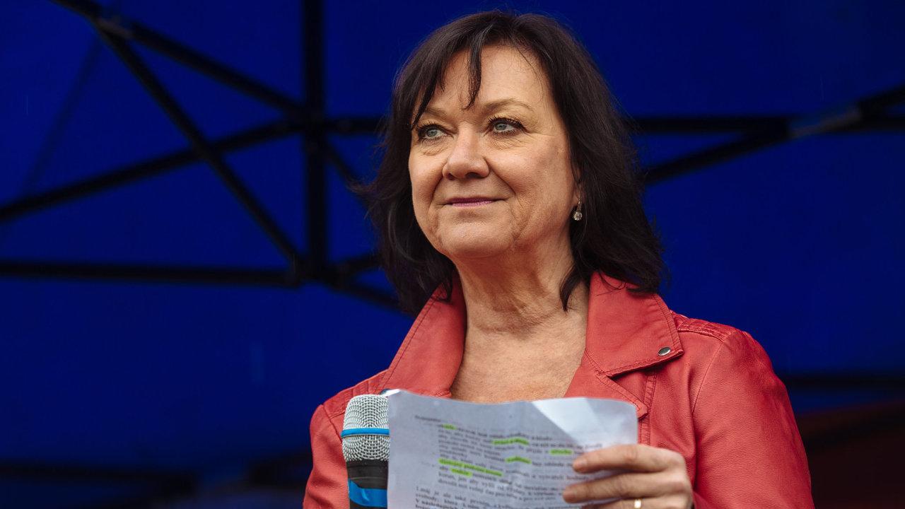 Marta Semelová na prvomájové demonstraci v Praze, 1. 5. 2019.