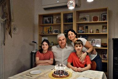 ZLotyšska jsme utekli před rozkládající se společností vdepresi, říká Irina Rubinchiková. Stejně jako její rodina opouštějí bývalé socialistické země hlavně mladí avzdělaní lidé.