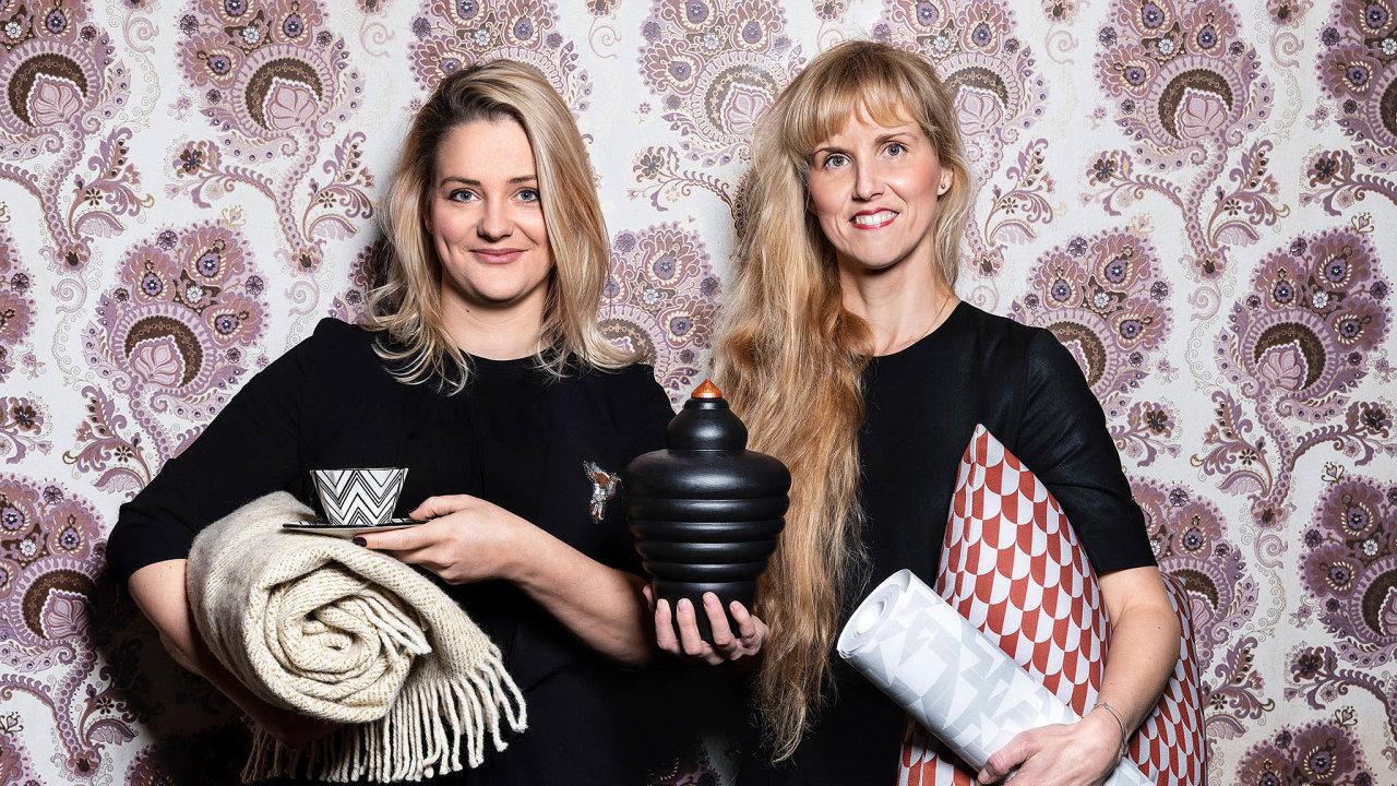 Adéla Lipár Kudrnová (vpravo) aElena Janota