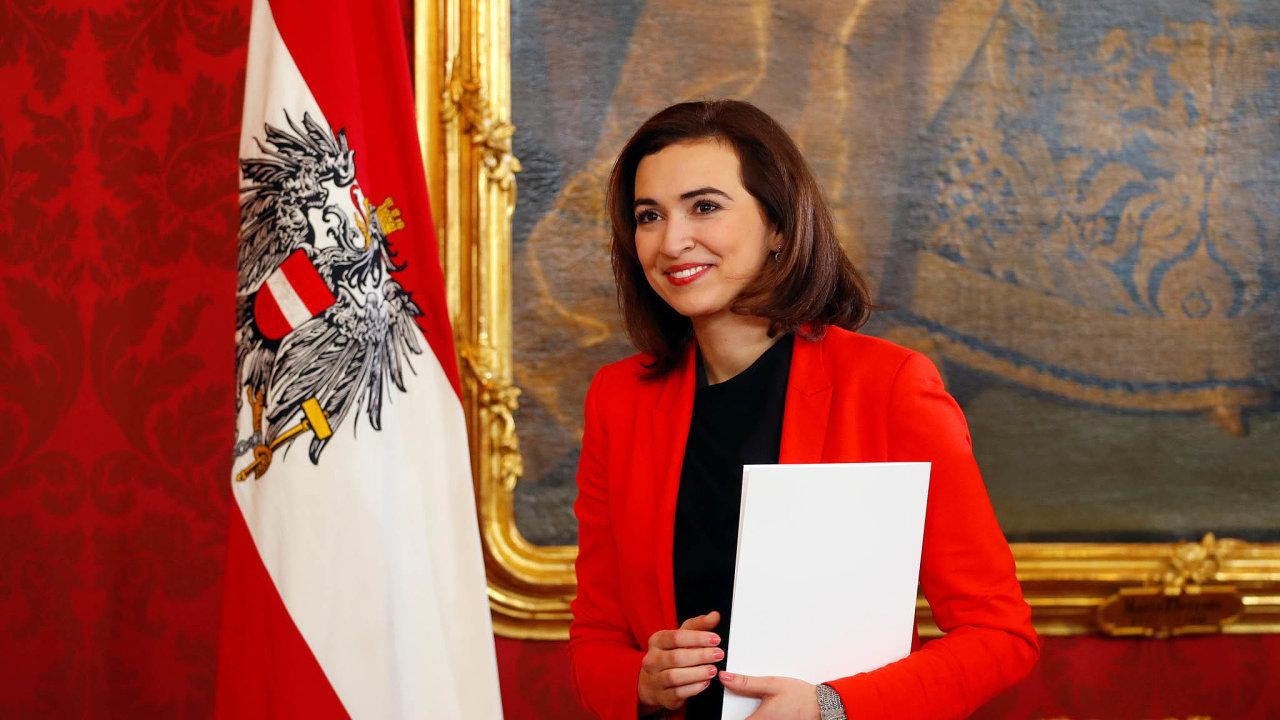 Překvapivá ministryně. Alma Zadičová vede rakouské ministerstvo spravedlnosti. Žena narozená v bosenské Tuzle se tak vysoko dostala vzemi, kde spousta lidí naslouchá populistům.