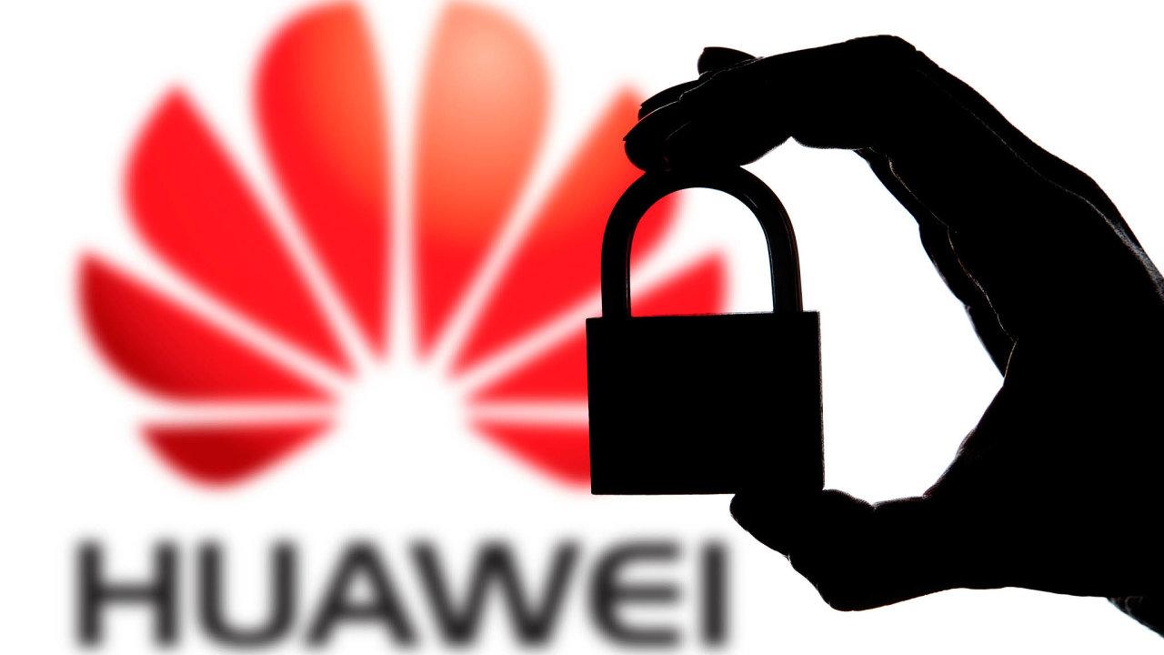 Huawei prodalší komunikaci sestátem azákazníky začal hledat šéfa kybernetické bezpečnosti.