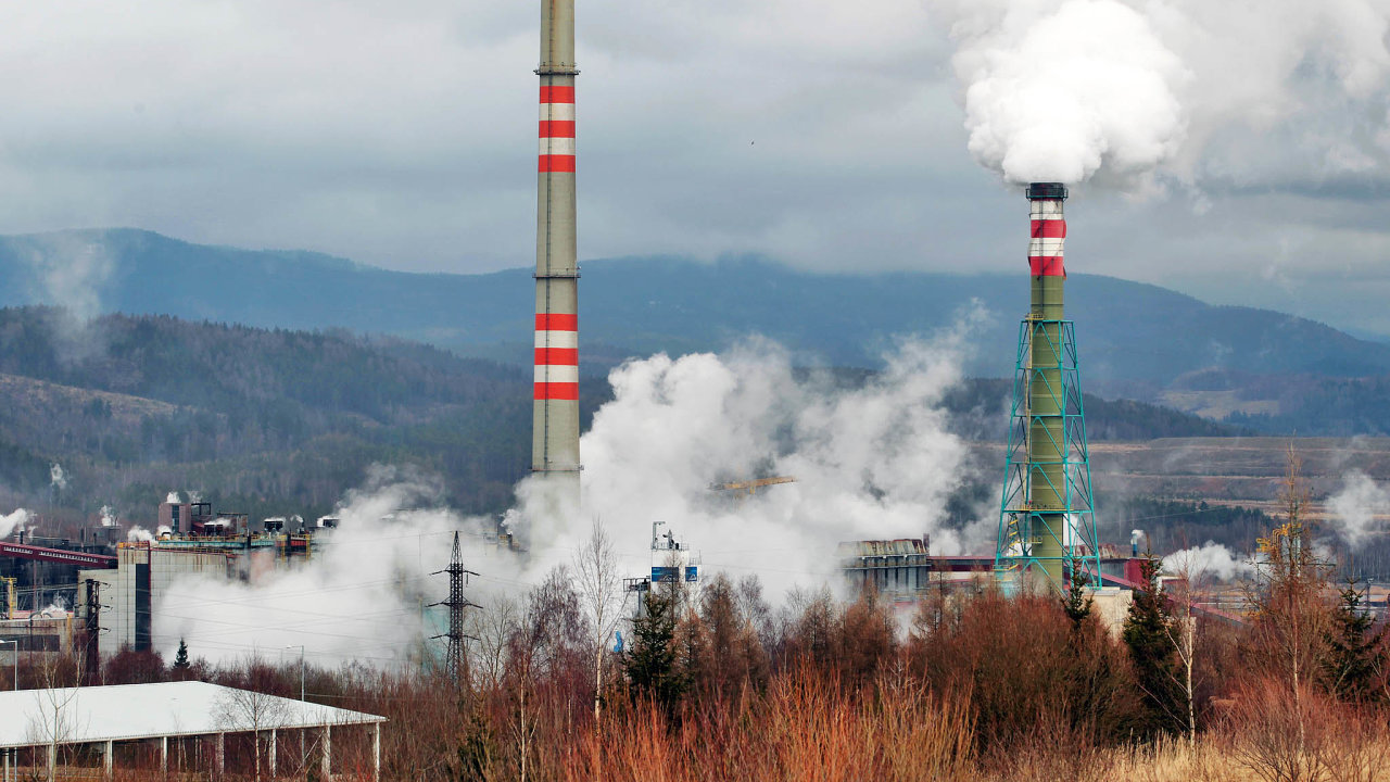 Ne všechno zmizí. Paroplynová elektrárna veVřesové by měla sloužit ještě dlouho.