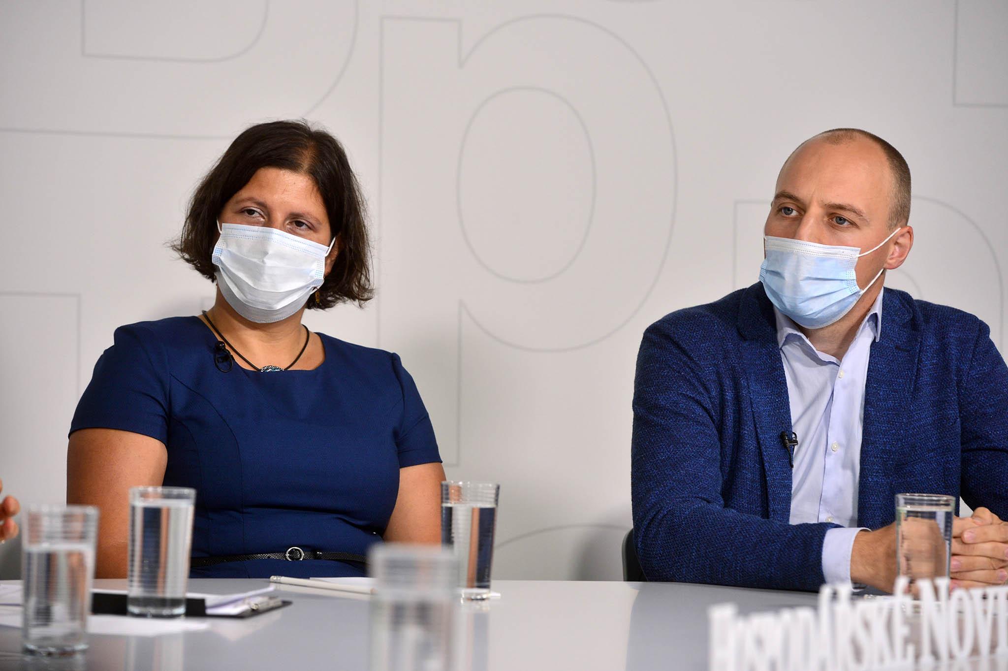 Diskuse opaliativní péči se zúčastnili Zuzana Křemenová zFakultní nemocnice Královské Vinohrady aMartin Loučka, ředitel Centra paliativní péče.
