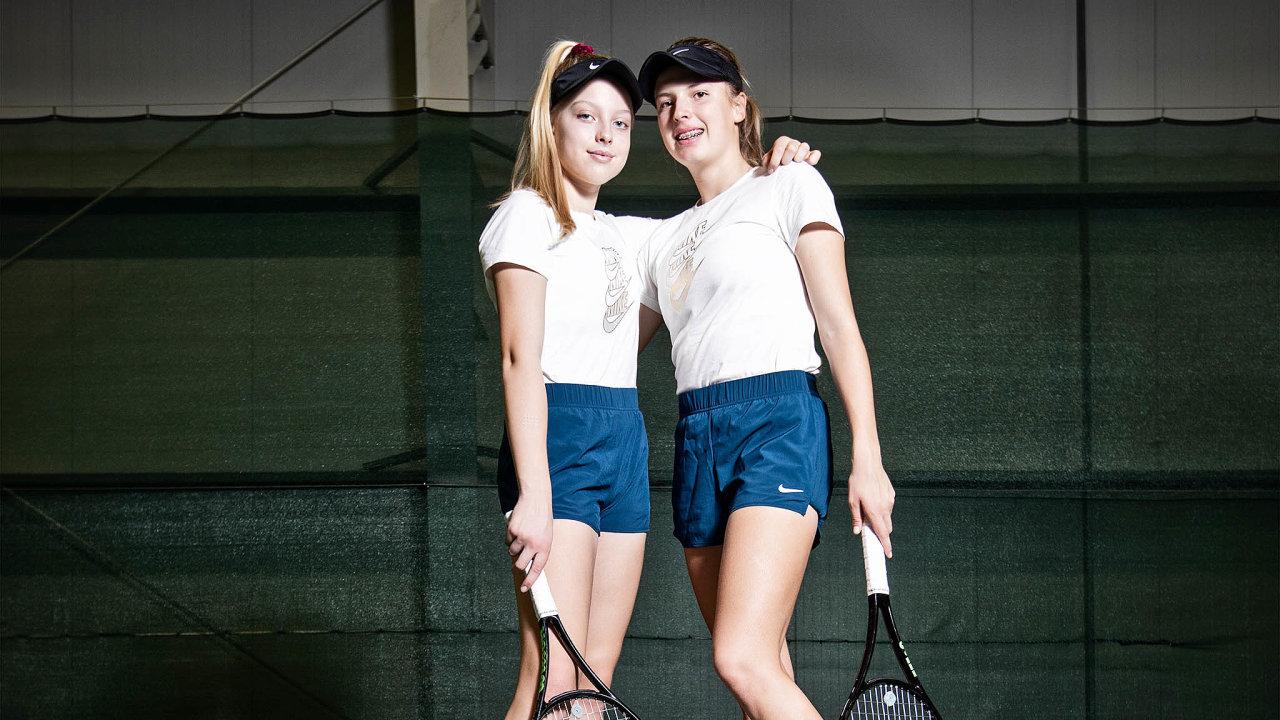Sestry Fruhvirtovy: vlevo Brenda, vpravo Linda