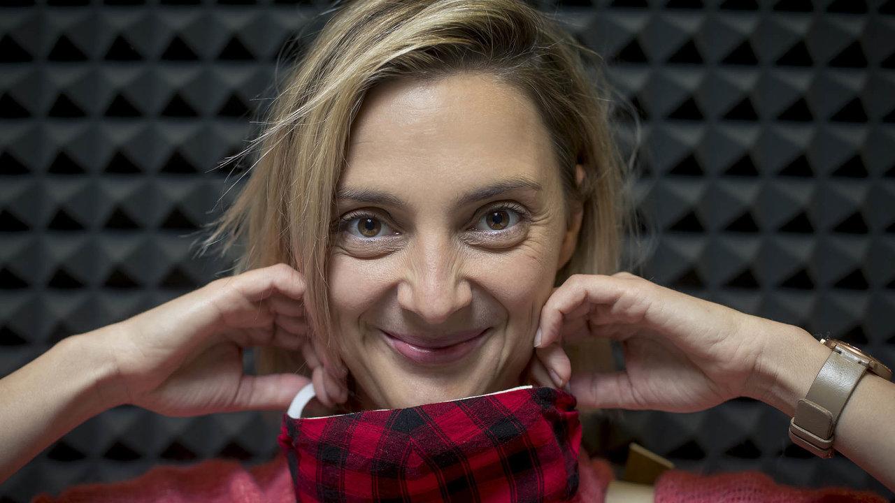 Okariéře herečky azpěvačky aozačátcích podnikání vyprávěla v podcastu HN Poprvé Barbora Poláková.