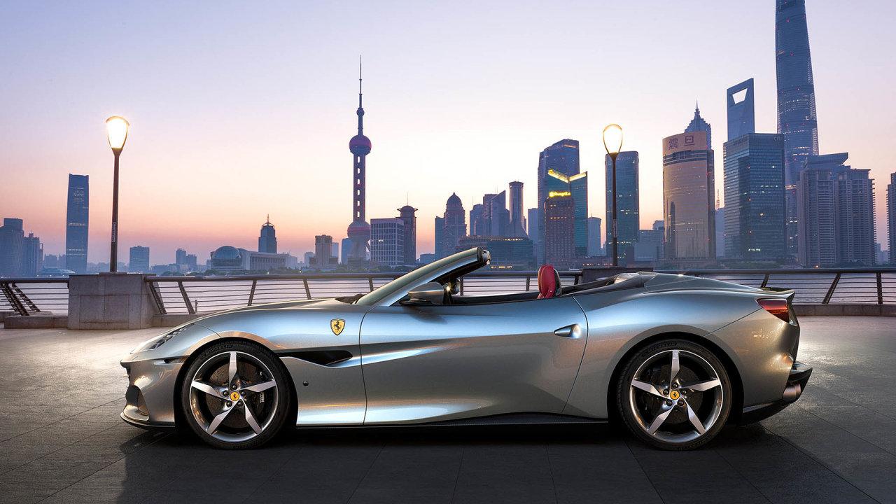 Ferrari Portofino M. První model italské značky představený povypuknutí koronavirové krize. Kvůli emisním normám má filtr pevných částic.