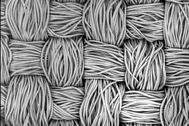Doma vyrobené bavlněné roušky fungují, ukazuje nová studie. Vlhkost ještě zvyšuje jejich filtrační schopnost