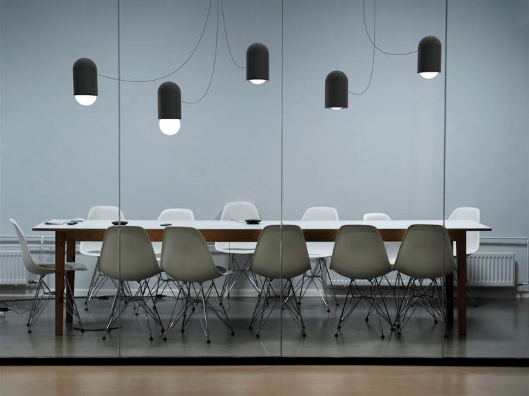 Svítidlo Capsule pro firmu Lucis od designérů Herrmann & Coufal