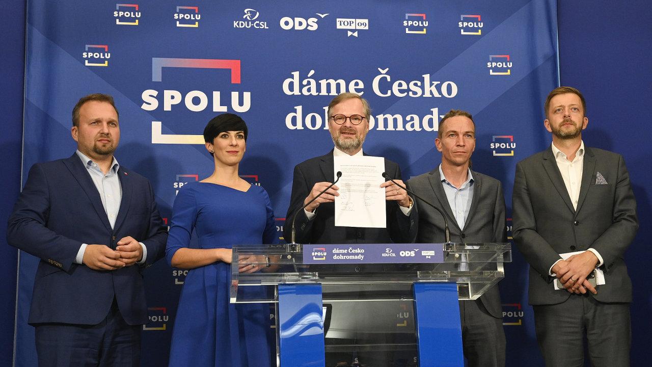Do vlády míří koalice pěti stran.