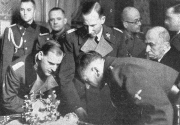 Heydrich a korunova�n� klenoty