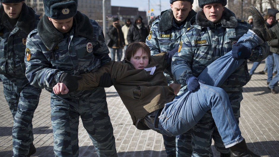 Demonstrace příznivců skupiny Pussy Riot v Moskvě
