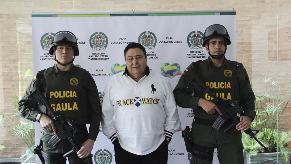 Roberto Pannunzi po svém zatčení nedaleko Bogoty, 6. července 2013.