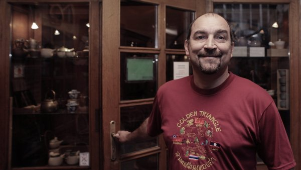 Jiří Šimsa, zakladatel sítě Dobrá čajovna
