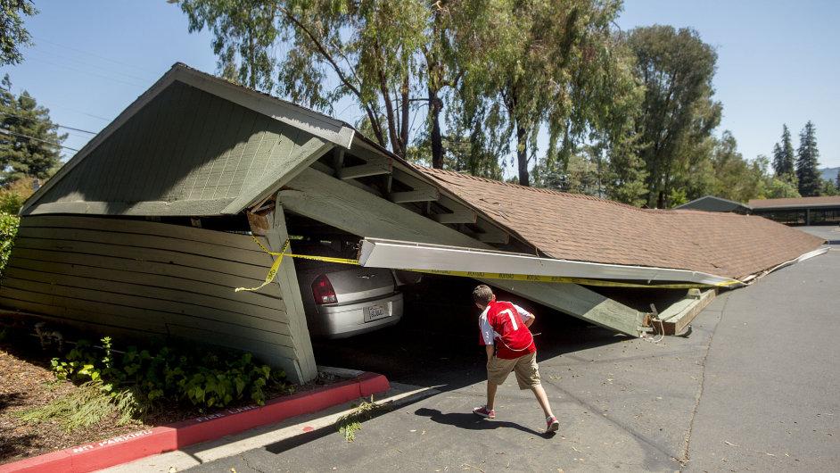 Následky zemětřesení v Kalifornii
