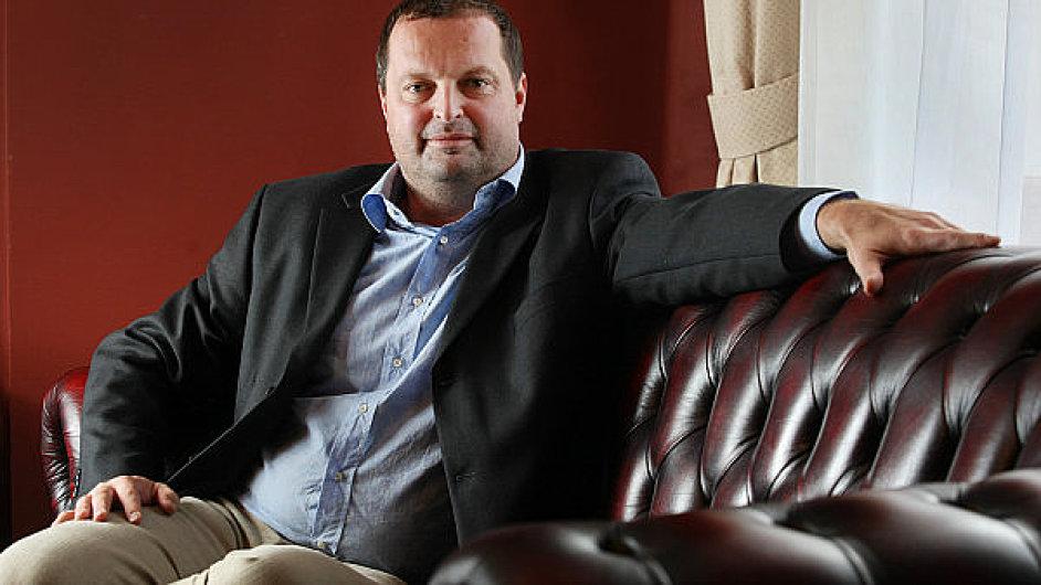Miliardář Radovan Vítek ve velkém investuje do biozemědělství.