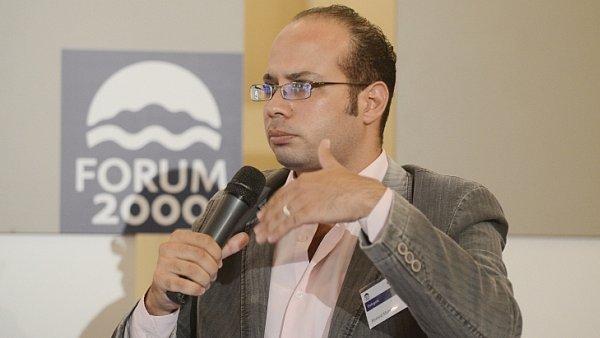 Ahmed Maher by se s radostí zúčastnil Fora 2000 i letos, brání mu však mříže žaláře režimu.