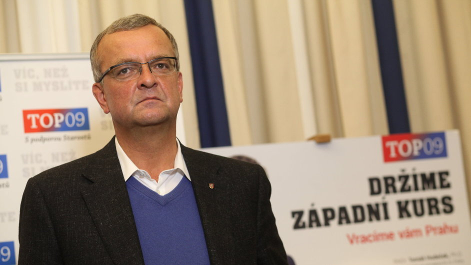 Miroslav Kalousek ve volebním štábu TOP 09