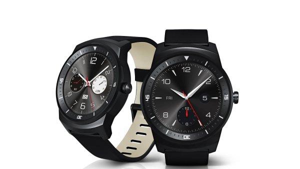 Hodinky s Android Wear se nau�� nov� v�ci od Apple Watch