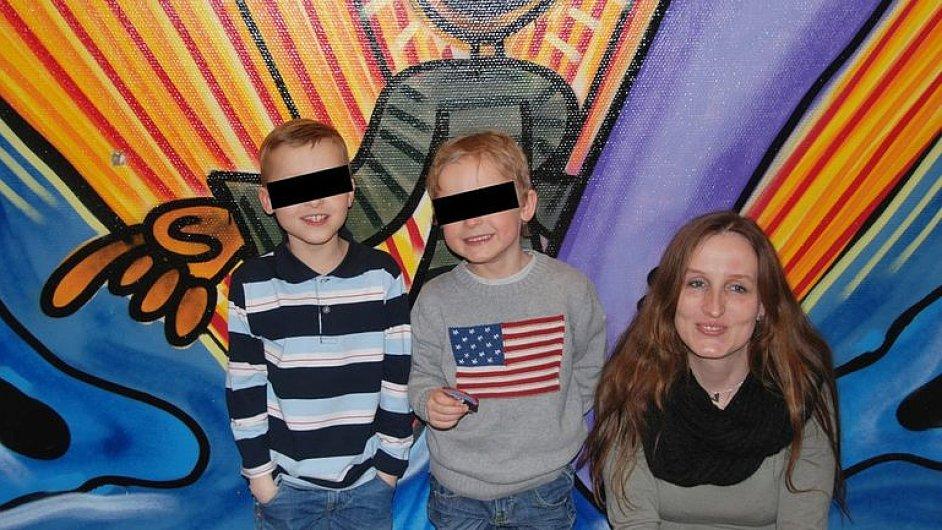 Matka Eva Michaláková se svými dětmi.