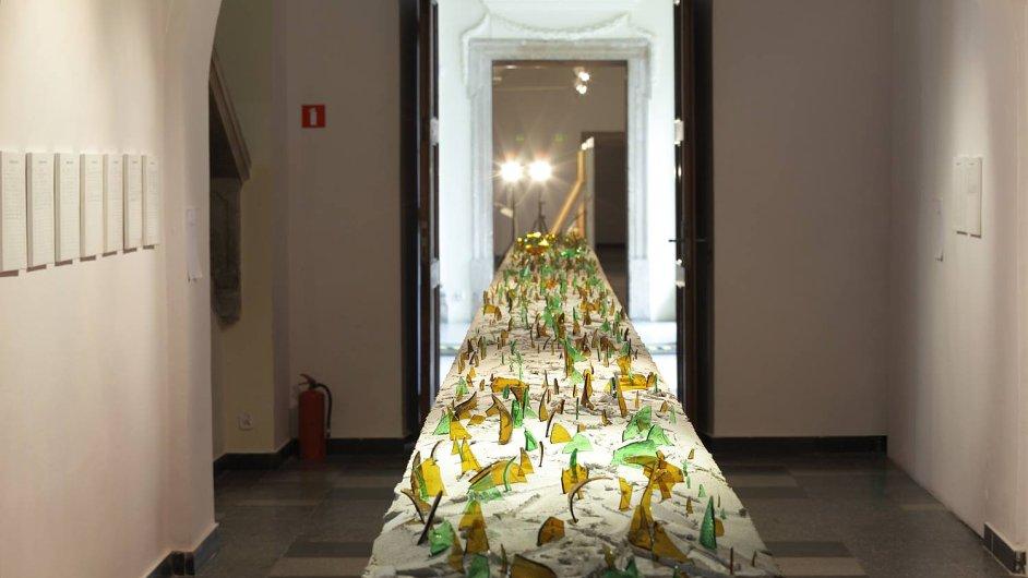 Snímek z výstavy Rafanů nazvané O równości ve wroclavské galerii BWA.