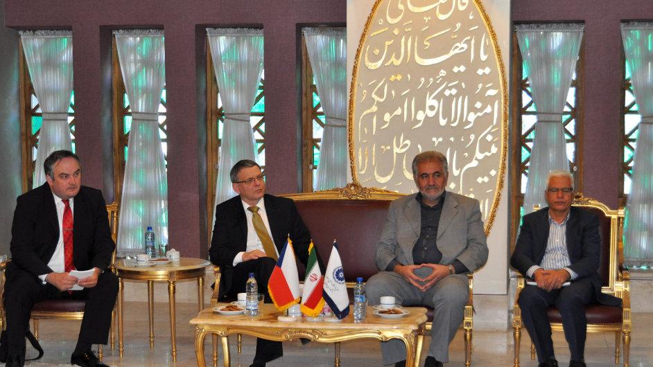 Ministr zahraničí Lubomír Zaorálek zahájil podnikatelské fórum v Íránu.