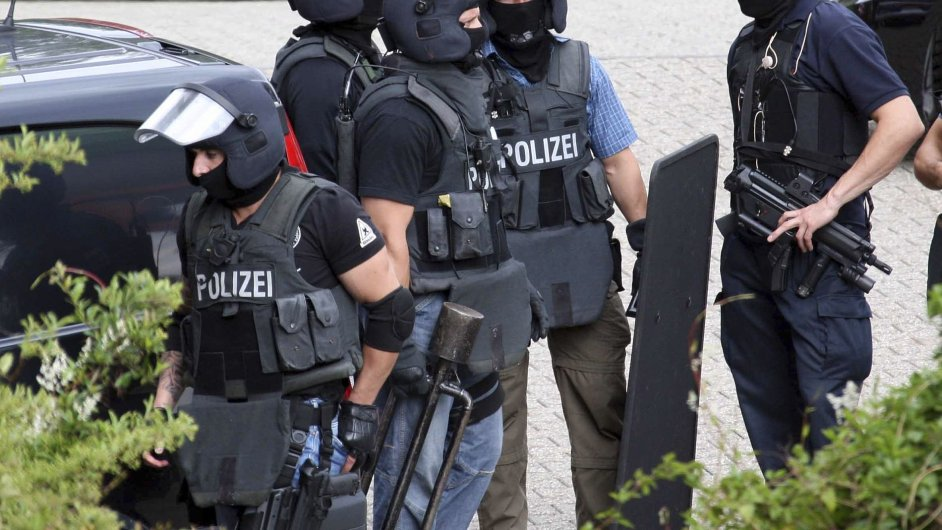 Německo, policie, zásah