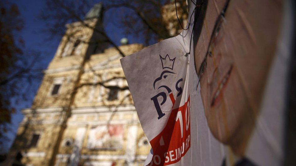 Polští opoziční konzervativci PiS budou mít v v Sejmu těsnou většinu.
