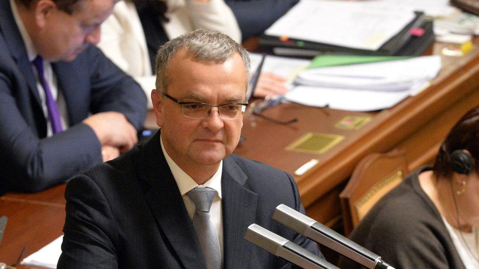 Předseda TOP 09 Miroslav Kalousek na schůzi Poslanecké sněmovny