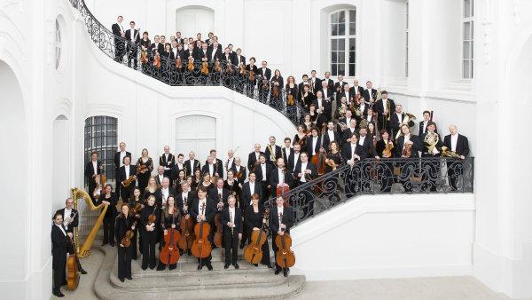 Drážďanská filharmonie vystupuje od roku 1870, kdy v Drážďanech vznikl koncertní sál.