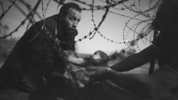 Sn�mek Warrena Richardsona usp�l na World Press Photo a z�skal hlavn� cenu.
