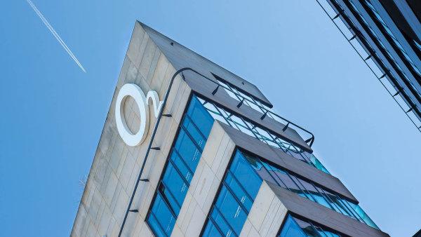 Poté, co se od O2 odštěpila firma Cetin, zabezpečující jeho infrastrukturu, rostla cena akcií mobilního operátora více než trojnásobně - Ilustrační foto.