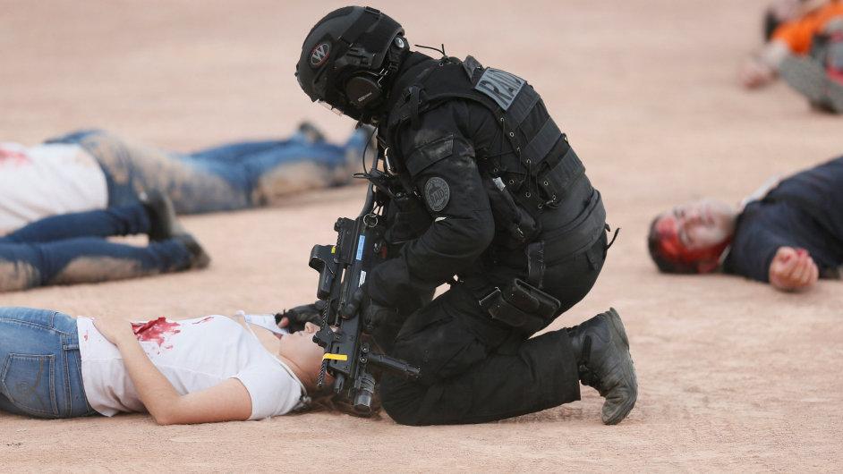 Francie, cvičení, euro 2016, policejní nácvik proti teroristickému útoku