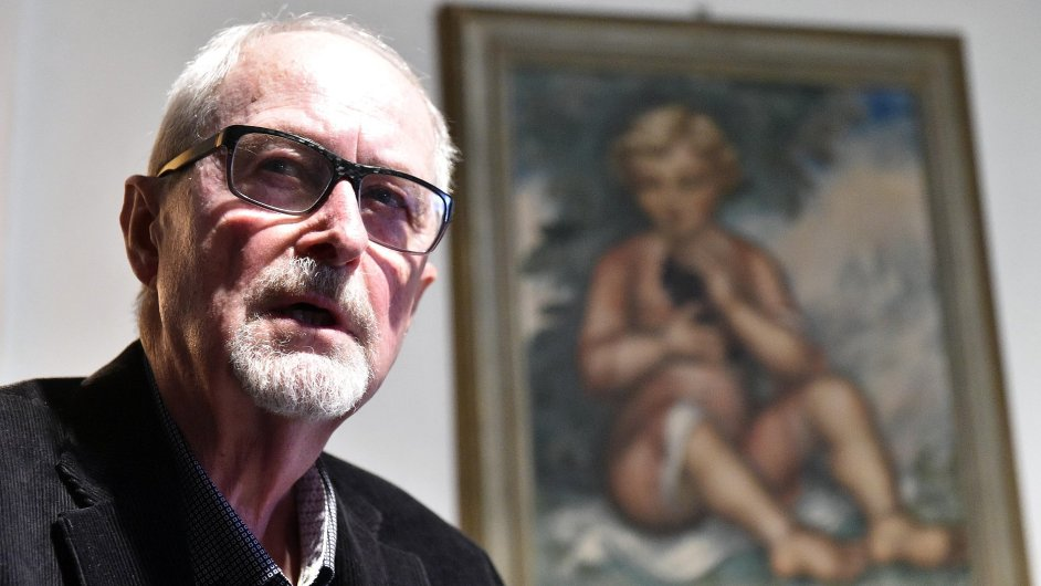 Pavel Švanda na snímku ze středečního uvedení své nové sbírky Mudrc.