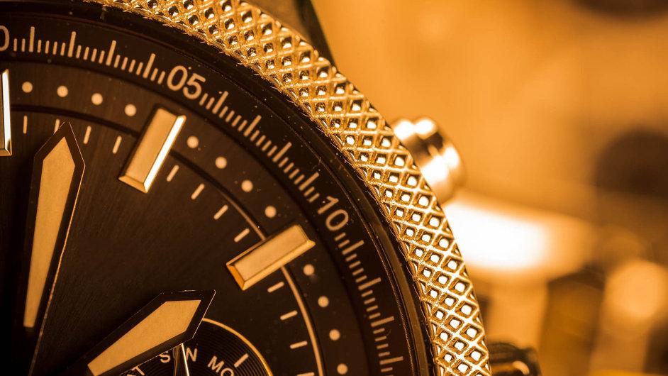 Hodinky Rolex mají pětiletou mezinárodní záruku.