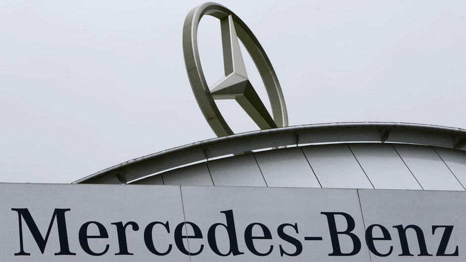 Německá automobilka Daimler se rozhodla postavit sklad vevýchodní Evropě a Česko je jedním zhorkých kandidátů.