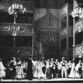 230 let s Donem Giovannim. Mozartova opera přežila napoleonské války, napoprvé musela znít zvláštně