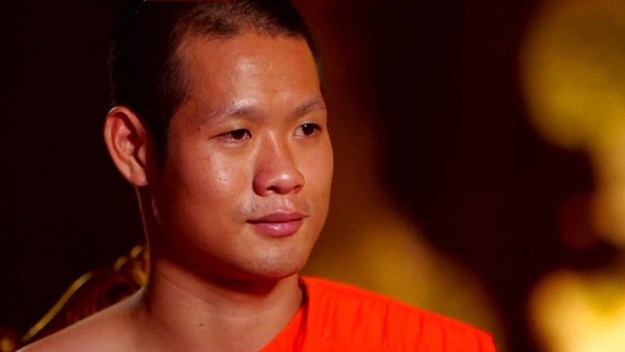 Jak přežil fotbalový tým uvězněný v jeskyni? Thajský trenér musel být každý den plný optimismu.